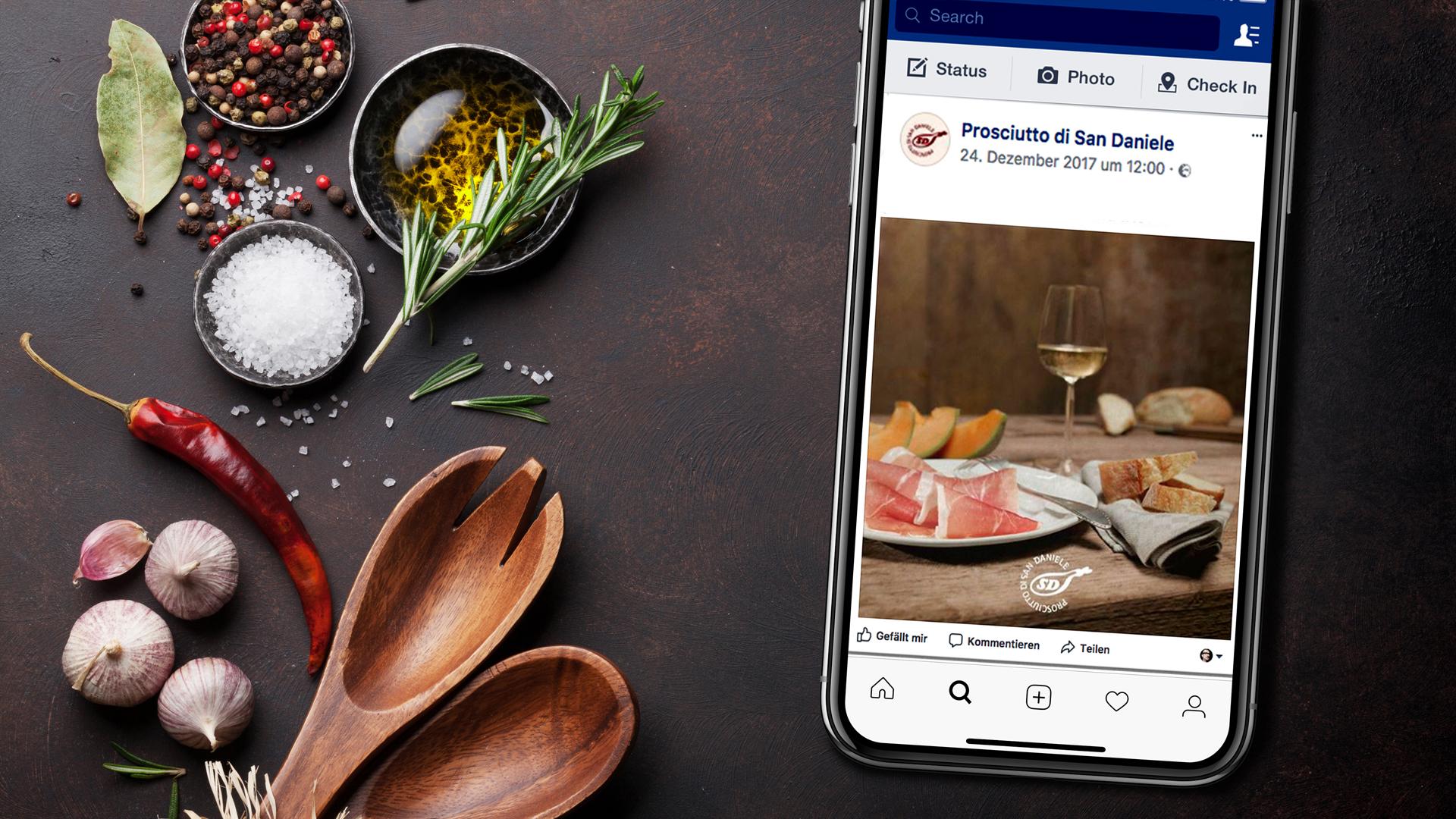 Handy mit Facebookseite von Prosciutto di San Daniele